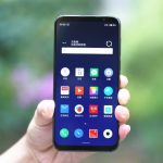 "Meizu 16S ""lit up"" on the new photo: the smartphone was compared with the Galaxy S10"