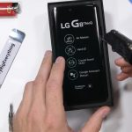 JerryRigEverything disassembled LG G8 ThinQ and advises not to buy this smartphone