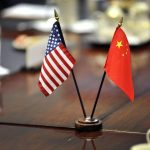 """Následky sankcí budou """"hrozné"""": Čína ohrožovala společnosti Samsung, Intel a Microsoft"""