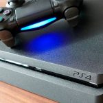 Choosing a game console: PlayStation 4 or Xbox One?
