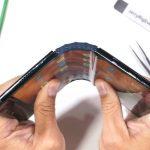 Taivutukset ja tauot: ensimmäinen taitettava älypuhelin Royole FlexPai epäonnistui lujuustestissä