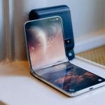 """Xiaomi is working on a smartphone with a design, like the """"clamshell"""" Motorola RAZR"""