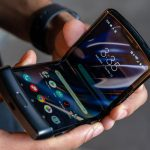 Motorola claims that the flexible RAZR display is durable and won't break like in the Samsung Galaxy Fold