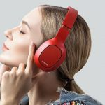Ausdom M09 Full-Size Wireless Headphones with 20 Hours of Operation for $ 30
