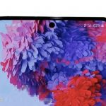 "The flagship Samsung Galaxy S20 + on the ""live"" photos and videos"