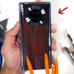Huawei Mate 30 Pro يجتاز اختبار قوة JerryRigEverything بنجاح