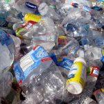 Toinen maa on päättänyt kieltää kertakäyttöisiä muovisia astioita tulevina vuosina