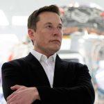 """Elon Musk lupasi luoda """"aivokorvikkeen"""" loukkaantuneille"""