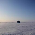 أظهر الفيديو كيف أن غواصة قتالية أمريكية تكسر الجليد في القطب الشمالي