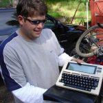 Maailman ensimmäinen kannettava tietokone näytti kammolta, ja voit kirjoittaa vitsejä prosessorin nopeudesta