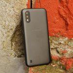 Společnost Samsung opět uvolní chytré telefony s vyjímatelnou baterií: prvním zařízením bude rozpočet Galaxy A01 Core