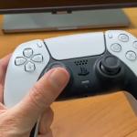 Dies ist kein Rendering: Das PlayStation 5 DualSense-Gamepad wurde live auf Video gezeigt
