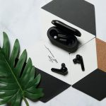 Mobvoi Earbuds Gesture: in-ear TWS headphones with up to 50 hours autonomy and unusual control gestures