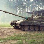 Video eines russischen Panzers, der während einer online geposteten Übung brennt