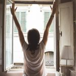 Scientists explain why women feel better in the morning than men