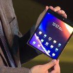 Odhalil výkon nástupce prvního smartphonu s flexibilní obrazovkou na světě