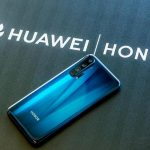 What is the share of Huawei smartphones without Google services in Russia?