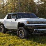 General Motors showed the Hummer EV: a Tesla Cybertruck competitor with a range of up to 600 km, 1000 hp. and a price of $ 80,000