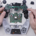 Sony will not show this: blogger disassembled the PlayStation 5 gamepad, revealing the magic of DualSense tactile feedback