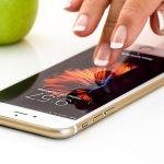 Tutkijat ovat todistaneet, että yhdeksässä kymmenestä tapauksesta ihmiset ottavat älypuhelimen käsiinsä ilman syytä