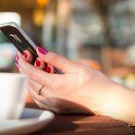 Підраховано, що сучасна людина витратить 9 років життя на смартфони