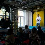 """Melouny v """"Drive"""", physalis v """"Shop"""" a lékaři taxíkem: jak Yandex pracoval během pandemie"""