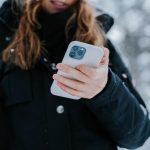 Apple може випустити iPhone без роз'ємів
