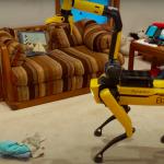 """K robotickému psovi Spot byla připevněna """"ruka"""""""