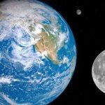 Un scientifique a expliqué pourquoi la lune ne tombe pas sur Terre