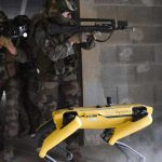 The French army tests the Boston Dynamics robot dog on the battlefield
