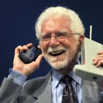 Today is the birthday of a mobile phone: 48 years ago, the first call was made using a 1.5-kg Motorola DynaTac