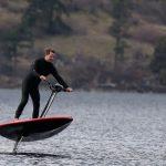 HydroFlyer: 13999 دولارًا نفاثًا كهربائيًا يجمع بين جت سكي ولوح التزلج والقارب المحلق