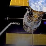 أطلقت ناسا تلسكوب هابل. لم يعمل لمدة شهر بسبب خطأ